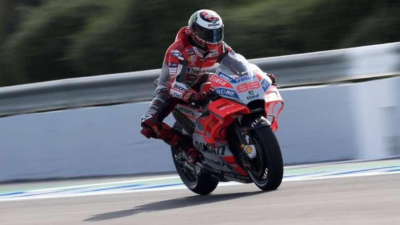 Lorenzo Takkan Terbiasa dengan Motor Ducati