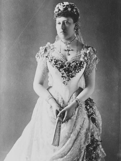 Putri Beatrice, putri bungsu Ratu Victoria, di hari pernikahannya. (Foto: www.royal.uk)