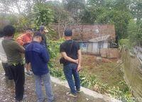 Heboh! Macan Tutul Ngumpet di Kolong Rumah Warga Sukabumi
