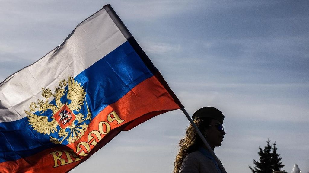 Bikin Panduan Cara Merayu Wanita Rusia, Argentina Minta Maaf