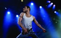 Akting Rami Malek saat memerankan Freddie Mercury (Dok. Twentieth Century Fox Film Corporation)