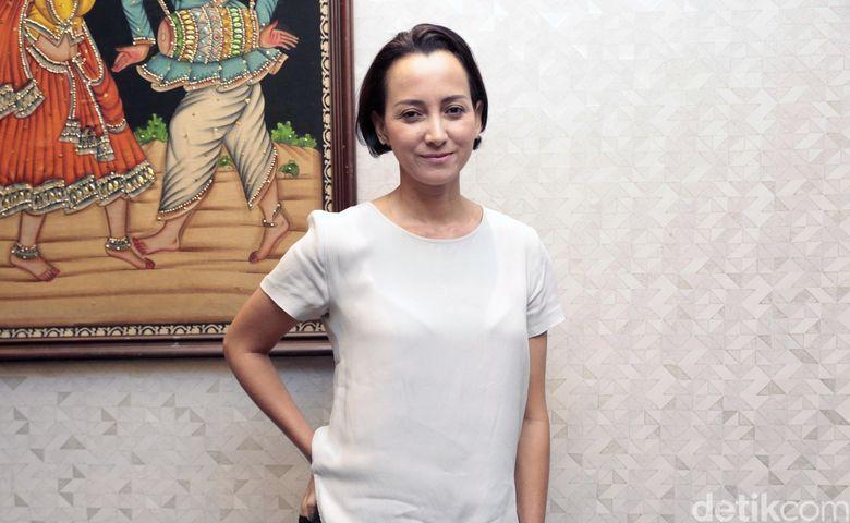 Karina Suwandi saat ditemui di Kantor Rapi Films Jalan Cikini 2 Jakarta, Rabu (16/5). Foto: Ismail/detikHOT