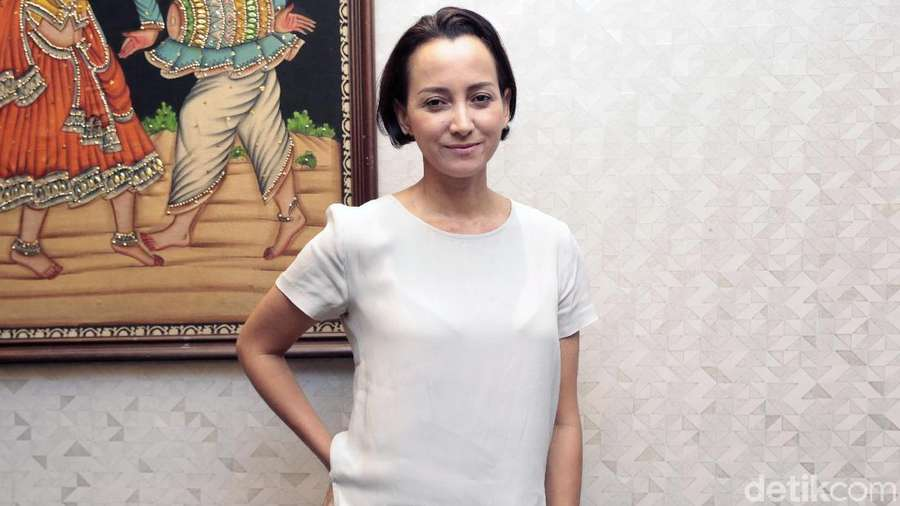 Apa Kabar Karina Suwandi, Istri Indro di Film Warkop?