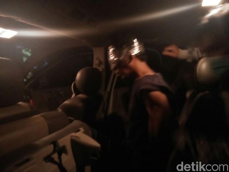 Densus Juga Sita Elektronik Rakitan Saat Gerebek Teroris Probolinggo
