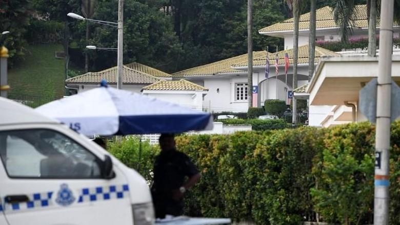Pengacara Benarkan Najib Razak Ditangkap di Rumahnya