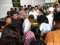 Begini Kelezatnya Bubur Samin Masjid Darussalam Solo yang Bikin Kangen
