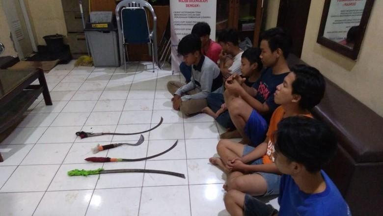 Bawa Senjata Tajam dan Berniat Tawuran, 7 Remaja Diringkus