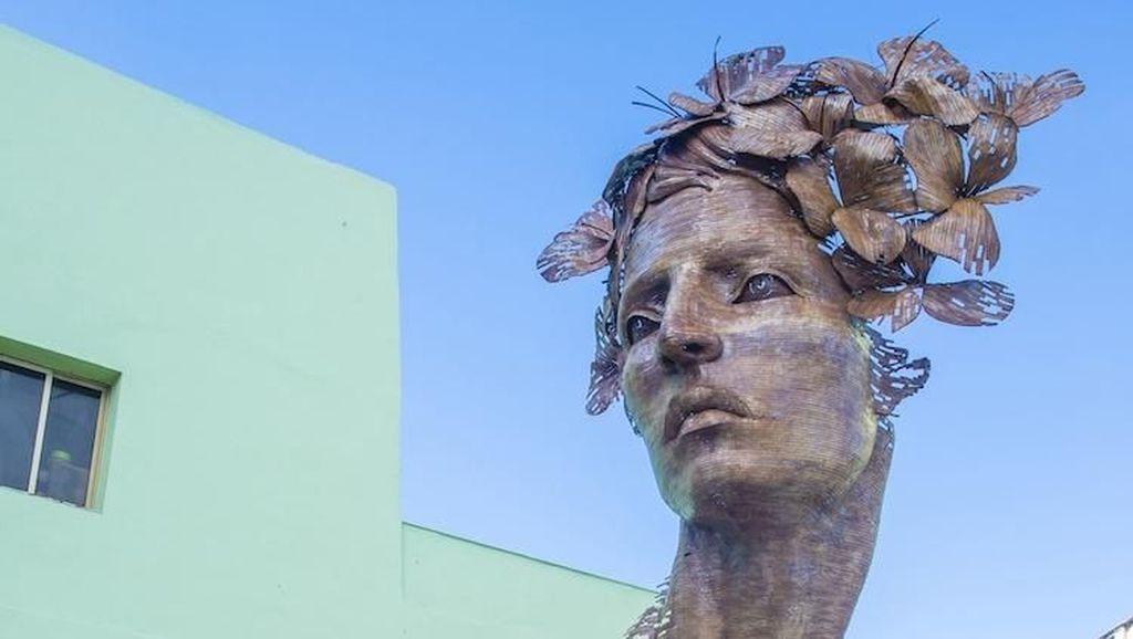 Terinspirasi Semangat Balerina, Seniman Kuba Bikin Patung Monumental