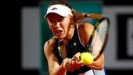 Wozniacki dan Sharapova Maju ke Perempatfinal