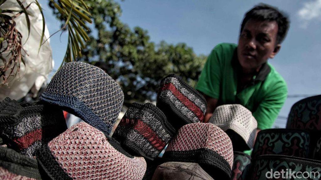 Penjualan Peci Meningkat saat Ramadan