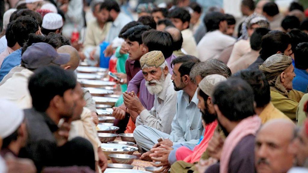 Ragam Cara Umat Muslim Dunia Sambut Bulan Ramadan