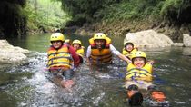 Sudah Coba Body Rafting di Green Canyon Pangandaran?