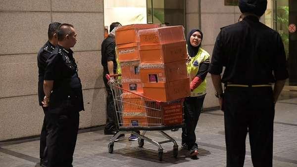 Uang Tunai Rp 400 M dan 400 Tas Mewah Disita dalam Skandal 1MDB