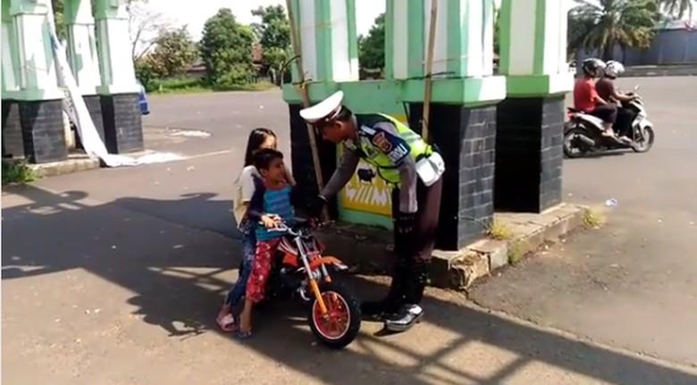 Anak naik motor mini. Foto: Instagram/Satlantas Polres Lampung Utara