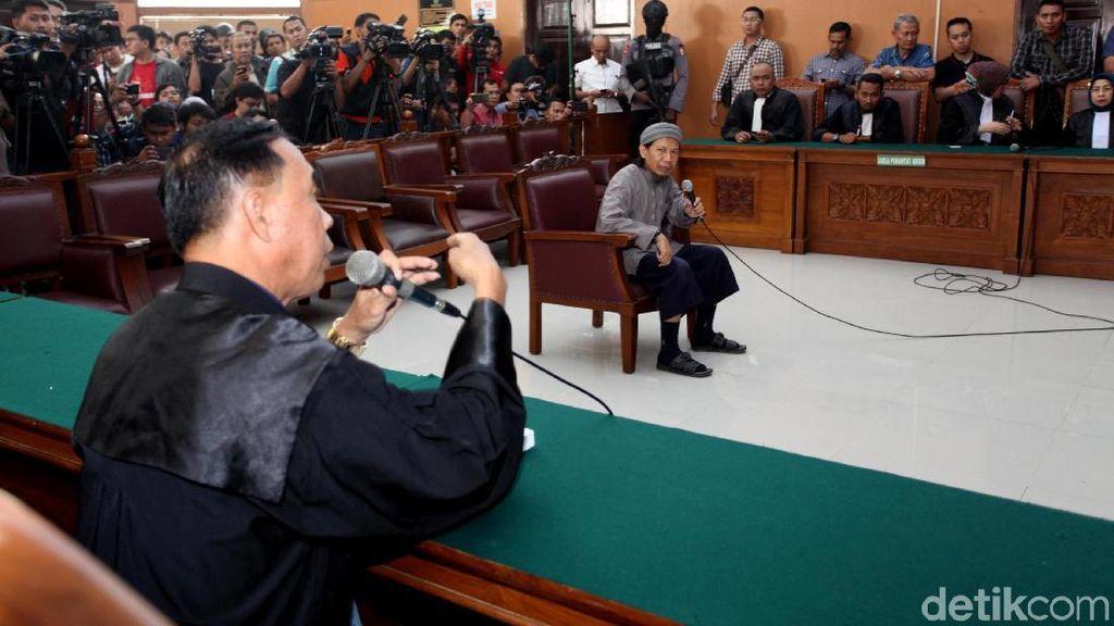 Dituntut Hukuman Mati, Aman Abdurrahman Panaskan Medsos