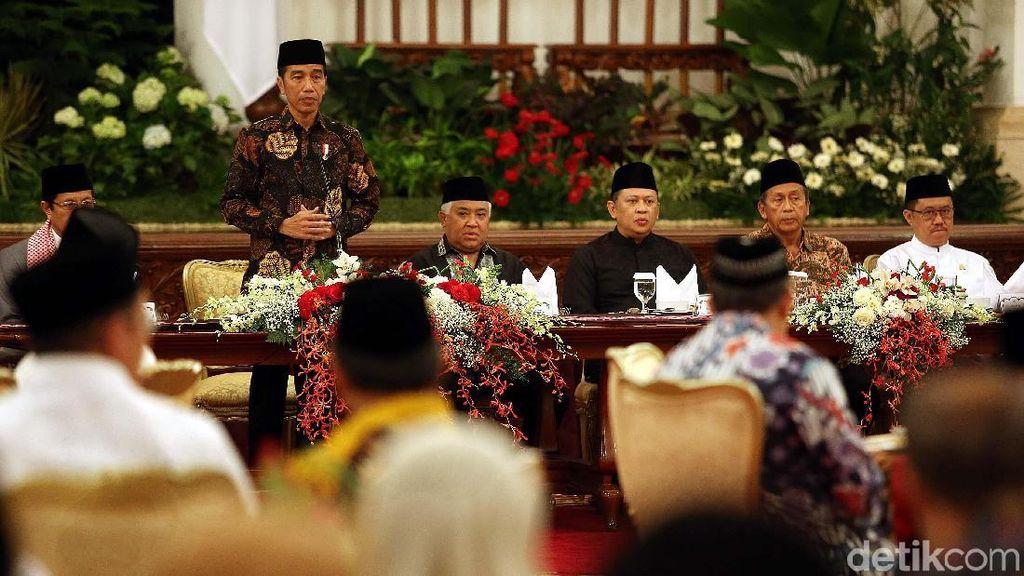 Jokowi Buka Puasa Bersama Menteri dan Pimpinan Lembaga