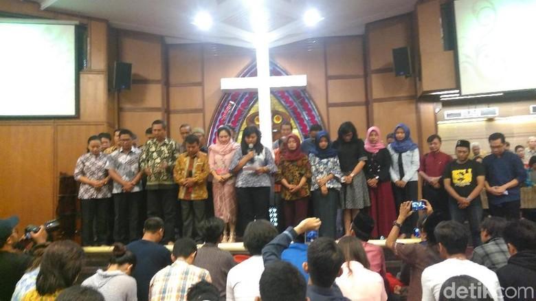 Umat Lintas Agama di Surabaya Satu Doa untuk Keutuhan NKRI