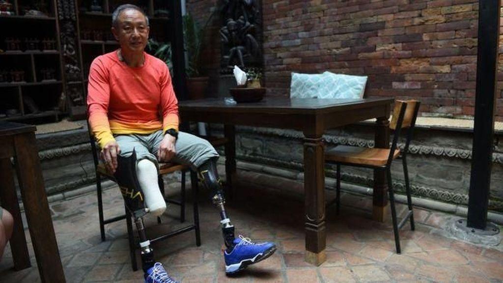 Kedua Kaki Diamputasi, Pria China Berhasil Daki Gunung Everest