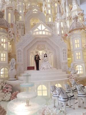 Meriahkan Royal Wedding, Cakery di Indonesia Ini Bikin Cake Istana Megah 5 Meter!