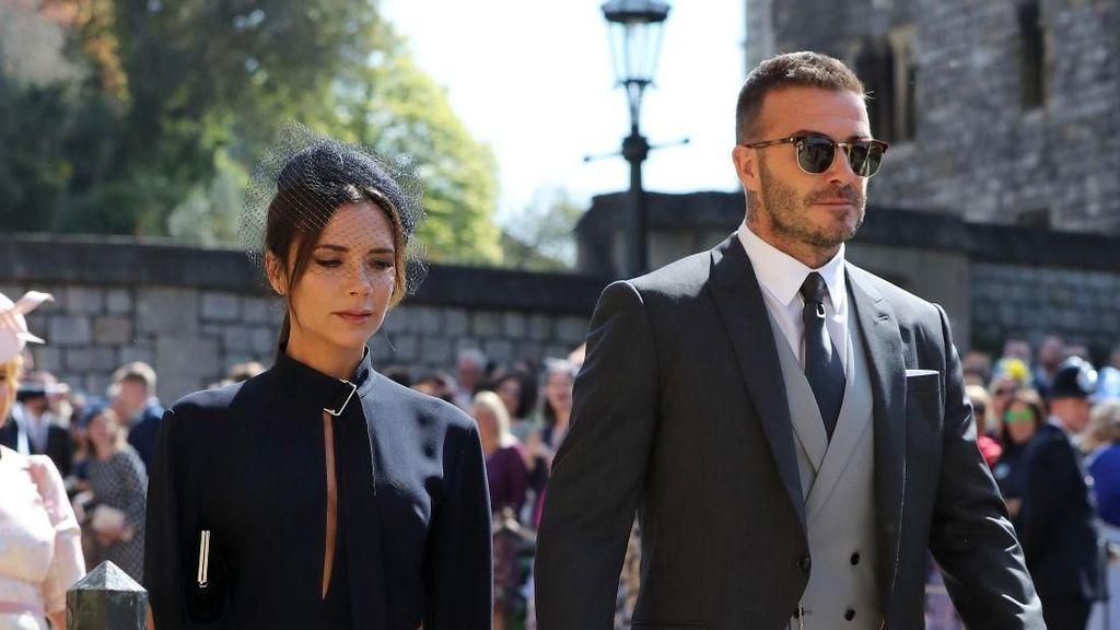 Alasan di Balik Wajah Datar Victoria Beckham Saat Pangeran Harry Menikah