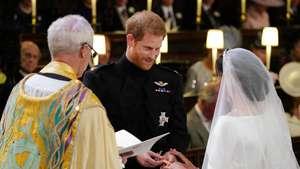 Senyum Menggemaskan Pangeran Harry dan Meghan Markle