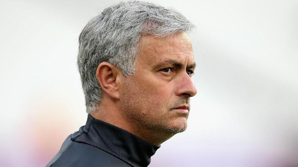Mourinho Komentari Gaya Bermain Chelsea