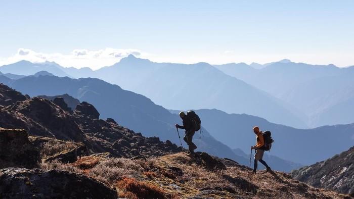 Naik gunung waspada hipotermia. Foto: Thinkstock