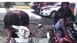 Kocak! Pemotor Pura-pura Kesurupan Agar Tidak Ditilang Polisi