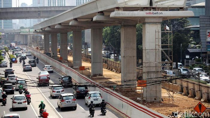 Proyek LRT Jabodebek/Foto: Agung Pambudhy