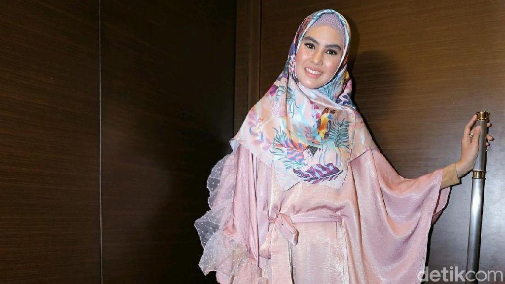 Kegelisahan Kartika Putri dalam Hidup Nyaman Sebelum Hijrah