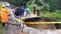 Jalan Putus Akibat Longsor, Empat Desa di Ambon Terisolasi