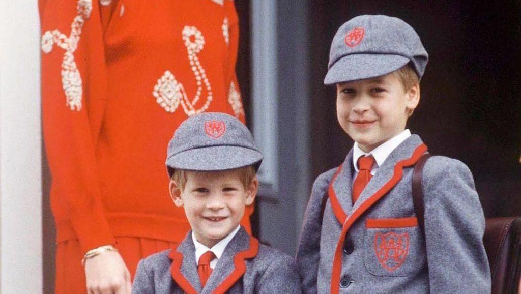 10 Foto Throwback Pangeran Harry Semasa Kecil yang Imut dan Lucu