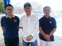Ketua Umum Gemabudhi Bambang Patijaya (Tengah)