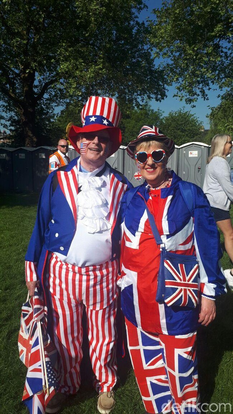 Sahabat Kompak Berbaju AS-Inggris di Royal Wedding Harry-Meghan