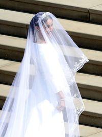 Terungkap, Ini Desainer yang Rancang Gaun Pengantin Meghan Markle