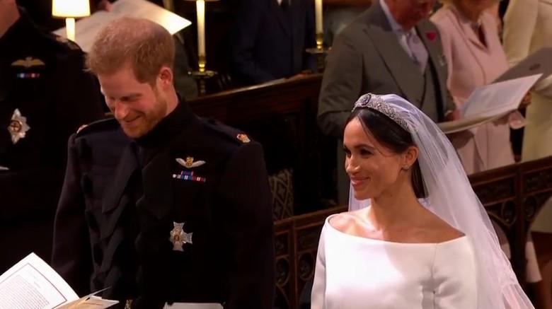 Sah! Pangeran Harry dan Meghan Markle Resmi Jadi Suami Istri