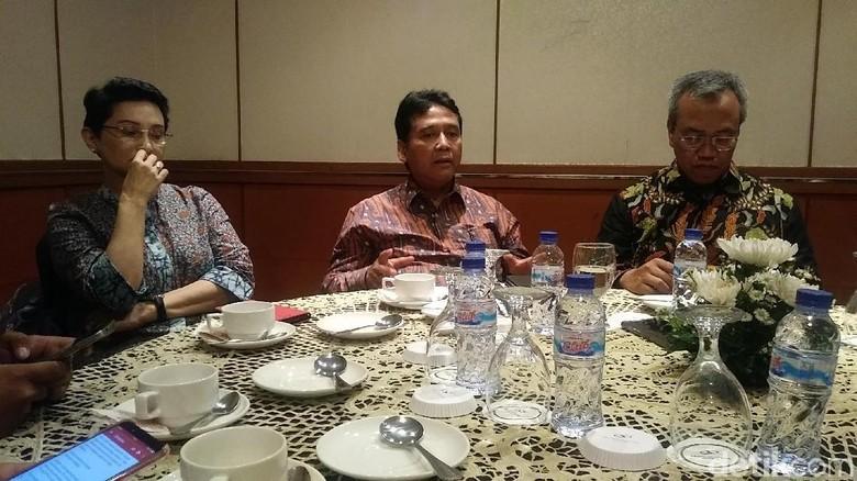 Ketua PHRI, Hariyadi Sukamdani (tengah) (Randy/detikTravel)