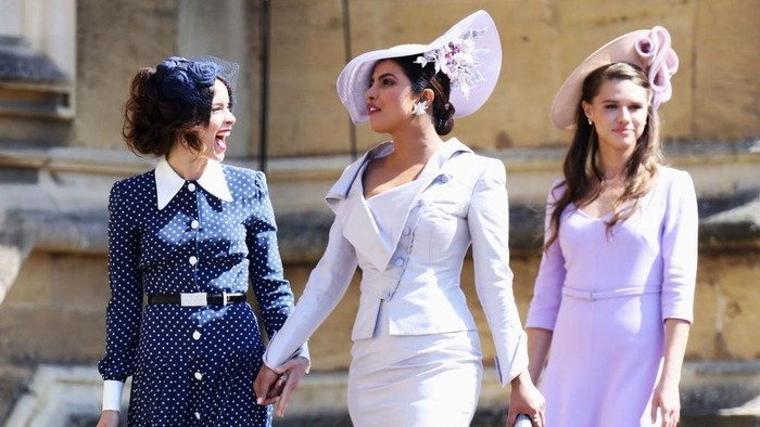 Priyanka Chopra (tengah) saat menghadiri pernikahan Pangeran Harry dan Meghan Markle (Foto: Getty Images)