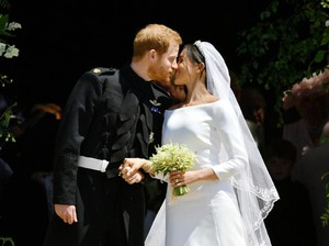Ciuman Pertama Harry-Meghan Markle Usai Sah Jadi Suami-Istri