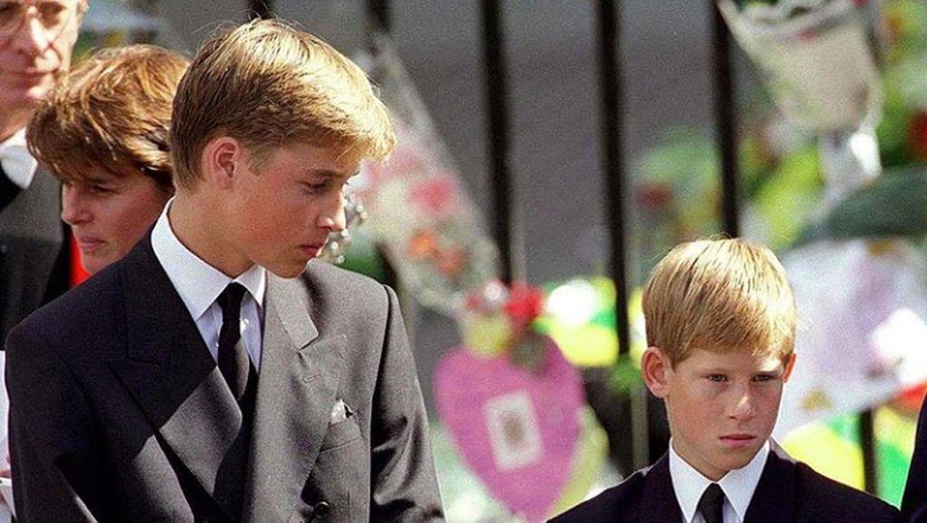 Pangeran William Sempat Tolak Jalan Iringi Peti Jenazah Putri Diana