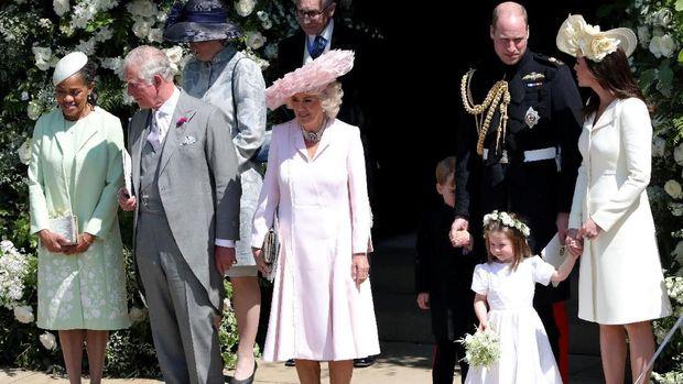 Busana Monokrom Kate Middleton di Pernikahan Harry-Meghan