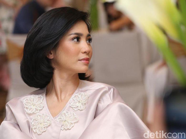 Bunga Zainal saat ditemui di fashion show di Fairmont, Senayan, Jakarta Selatan, Jumat (18/5). Foto: Hanif Hawari