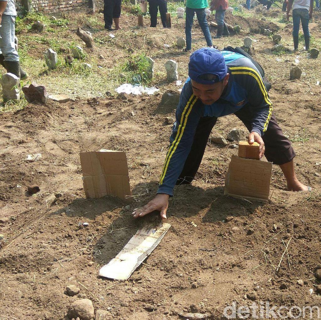 Polisi: Tinggal Tiga Jenazah Bomber Surabaya yang Belum Dimakamkan