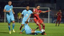 Diwarnai Gol Kontroversial, Persela Kalahkan Persija 2-0