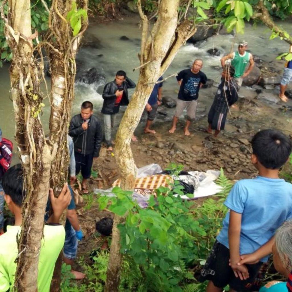 Jasad Pria Sukabumi Menggantung di Pohon