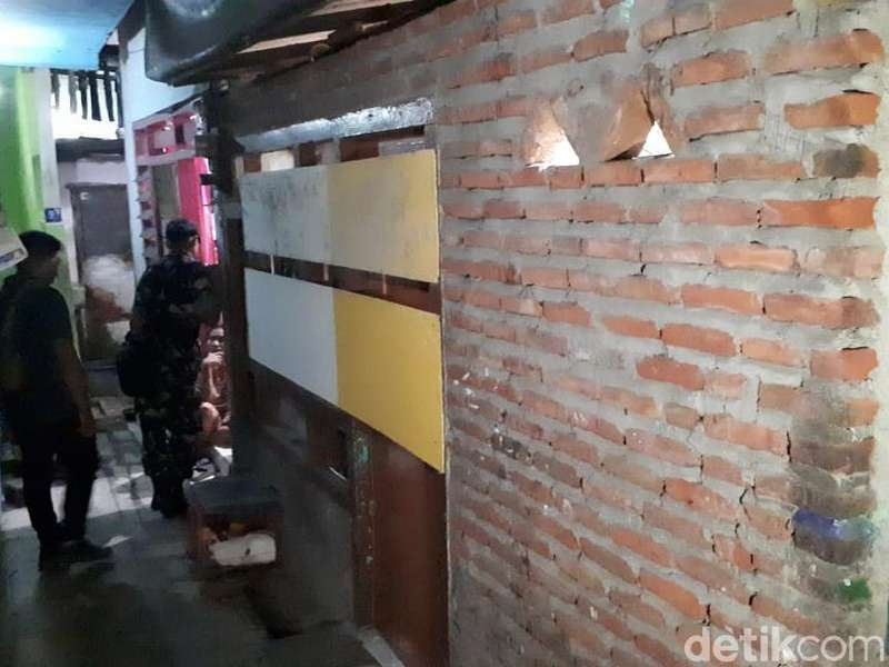 Diduga Bahan Baku Peledak Disita dari Terduga Teroris Kedungturi