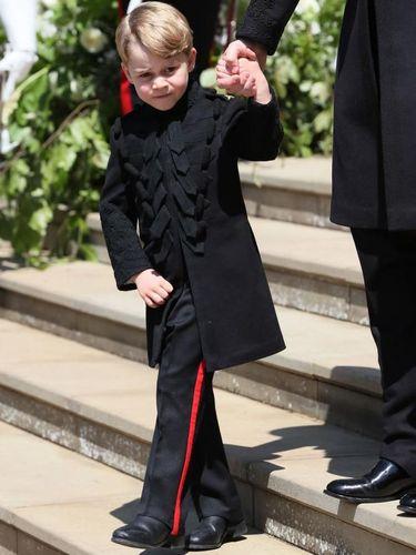 Pertama kalinya Pangeran George pakai celana panjang