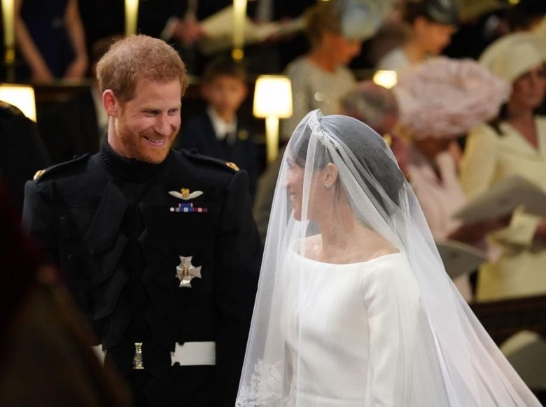 Bisikan-bisikan Romantis Harry-Meghan Markle di #RoyalWedding