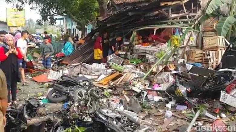 Begini Kondisi Kecelakaan Truk yang Tewaskan 11 Orang di Brebes