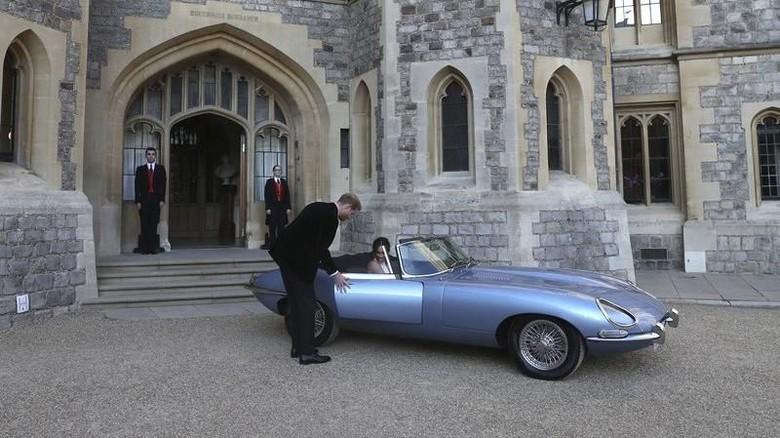 Mobil Jaguar yang dipakai Pangeran Harry dan Meghan Markle (Foto: The Drive)